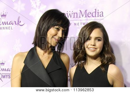 LOS ANGELES - JAN 8:  Catherine Bell, Bailee Madison at the Hallmark Winter 2016 TCA Party at the Tournament House on January 8, 2016 in Pasadena, CA