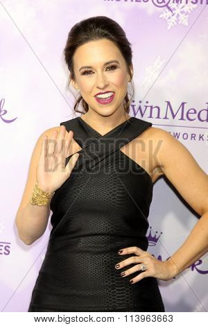 LOS ANGELES - JAN 8:  Lacey Chabert at the Hallmark Winter 2016 TCA Party at the Tournament House on January 8, 2016 in Pasadena, CA