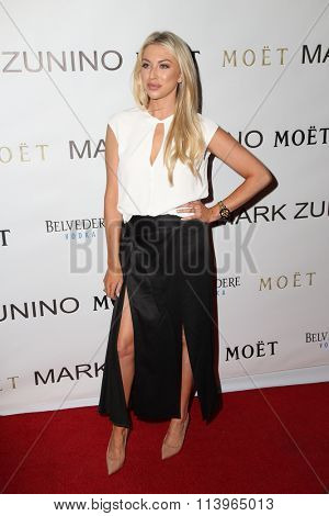 LOS ANGELES - JAN 7:  Stassi Shroeder at the Mark Zunino Atelier Opening at the Mark Zunino Atelier Boutique on January 7, 2016 in Beverly Hills, CA