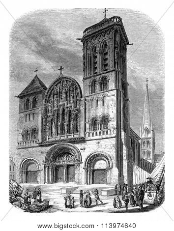 View of the church of Vezelay, vintage engraved illustration. Magasin Pittoresque 1853.