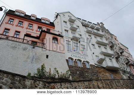 Karlova Vary spa - buildings on the rock