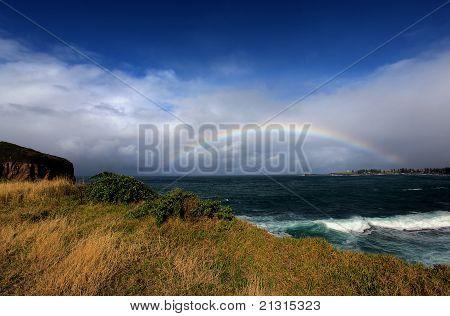 Arco iris sobre el océano