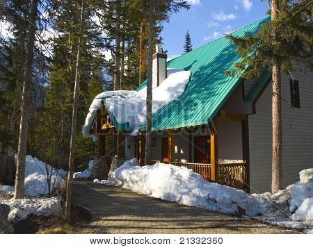 Cottage At Emerald Lake