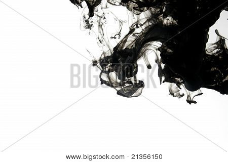 Smoke liquid ink in water
