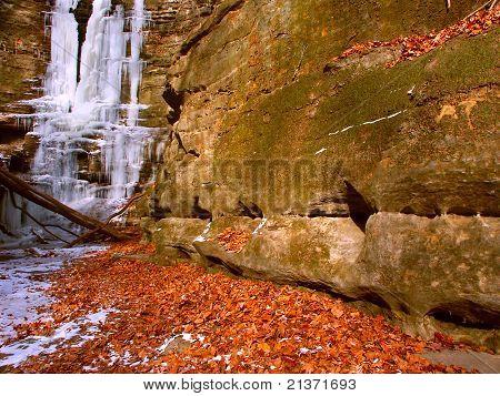 Matthiessen State Park - Illinois