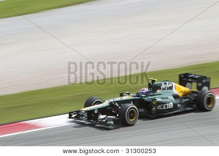 Vitaly Petrov exits turn 15