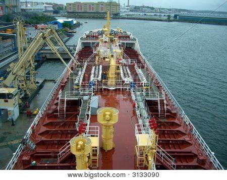 Deck-Blick auf den kleinen Tanker