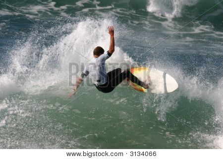 Slashing Surfer
