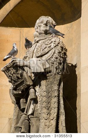 Lord Clarendon statue, Oxford University