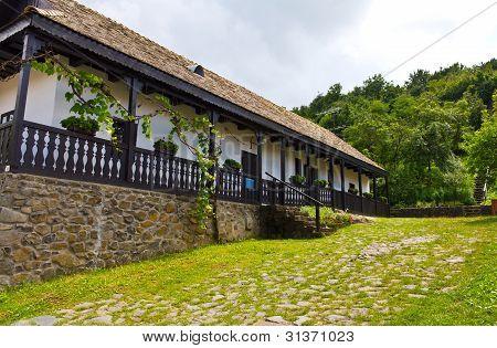 Holloko House