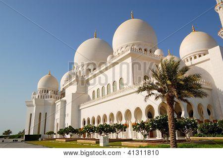 Sheikh Zayed Grand Mosque During Sunset, Abu Dhabi, Uae