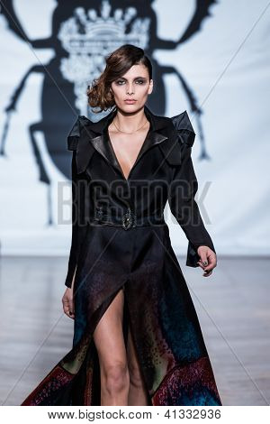 PARIS - JANUARY 23, 2013 : on aura tout vu spring summer 2013 fashion show at Paris fashion week January 23, 2013 in Paris ,France