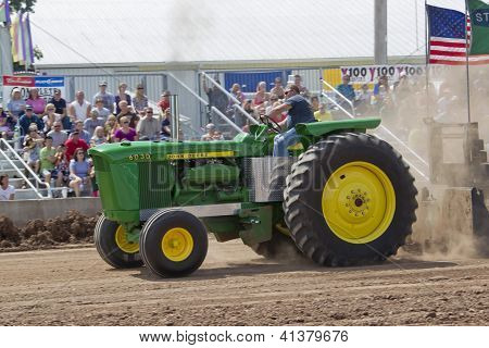 John Deere 6030 Tractor Pulling Side View