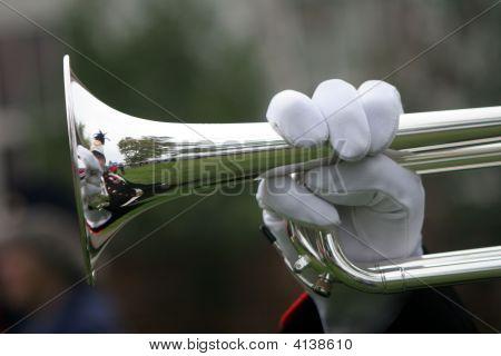 Mão no trompete