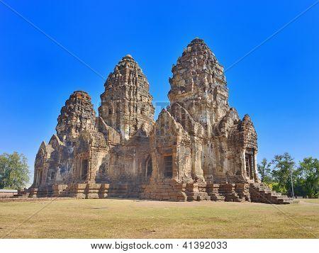 Phra Prang Sam Yot With Blue Sky