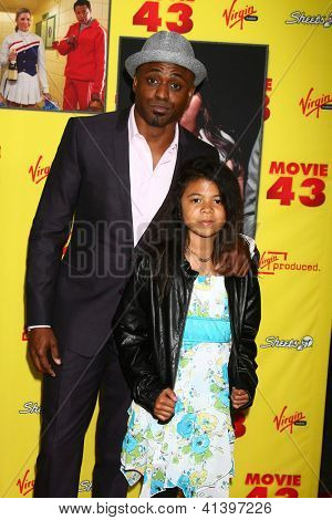 LOS ANGELES - JAN 23:  Wayne Brady arrives at the