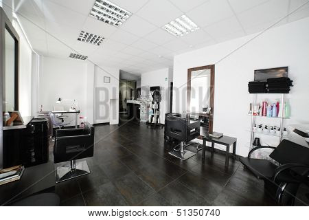 Clean European Hair Salon