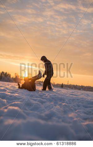 Snow fighting men and women