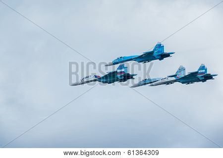 Military air fighters Su-27