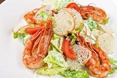 Tasty shrimp salad with vegetables