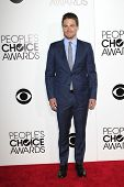 LOS ANGELES - JAN 8: Stephen Amell at The People's Choice Awards at the Nokia Theater L.A. Live on J