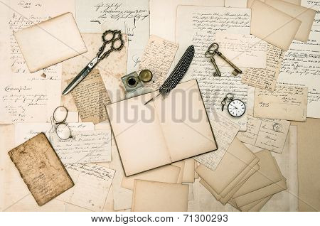 Antique Accessories, Old Letters And Vintage Ink Pen