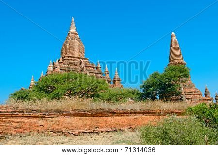 Seinnyet Ama Temple And Seinnyet Nyima Pagoda. Bagan. Myanmar.
