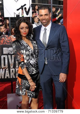 LOS ANGELES - APR 13:  Kat Graham & Cottrell Guidry arrives to the 2014 MTV Movie Awards  on April 13, 2014 in Los Angeles, CA.