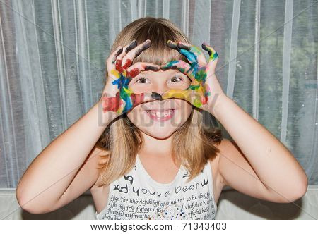 Teen Girl Makes Love Mask By Fingers On Her Face