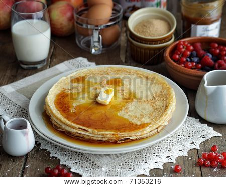 Pancakes with maple syrop
