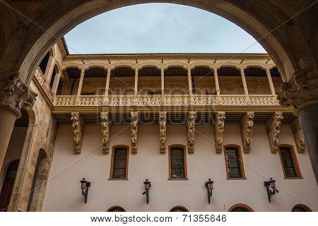 Beautiful Balcony In Salina Palace Courtyard