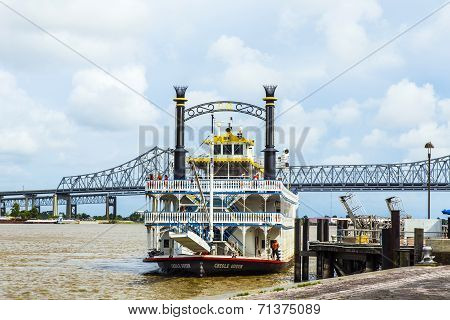 Famous Missisippi Paddlewheeler Creola Queen