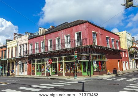 Eople Visit Historic Building In The French Quarter