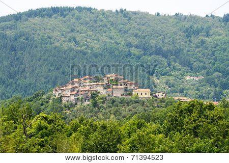 Regnano, Old Village In Tuscany