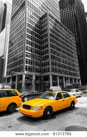 Avenue of the Americas 6th Av Manhattan yellow cabs New York city US