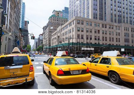 New York city Manhattan Fifth Avenue 5th Av yellow taxi cab US