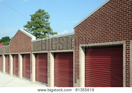 Personal self storage facility