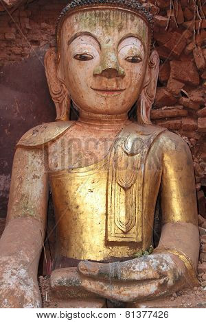 Buddha Statue Of Shwe Indein