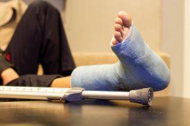 stock photo of human toe  - photos of foot splint for treatment of injuries from broken bones - JPG