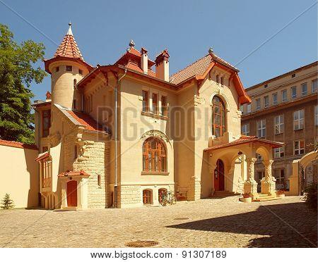 Villa Leopold Kindreman.