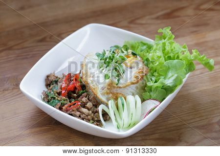 thai spicy food basil pork fried rice recipe with egg