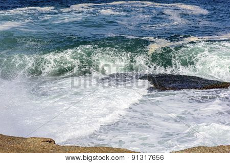 Waves in the stone of Arpoador