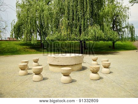 Silent Table Artwork Constantin Bracusi