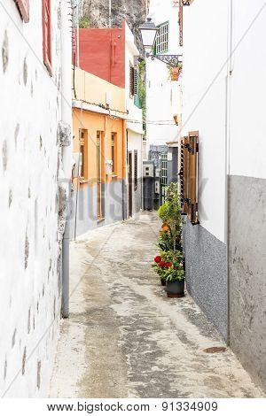 Picturesque alley in a village on Gomera island, Spain