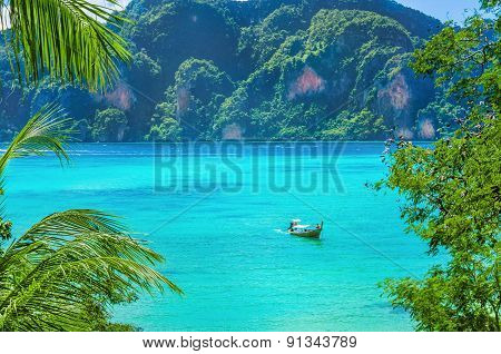 Paradise bay on Phi Island, Thailand
