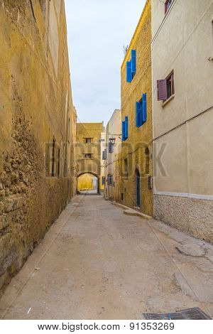 Old alley in a historic city El Jadida on the Atlantic coast of Morocco, in the province of El Jadida.