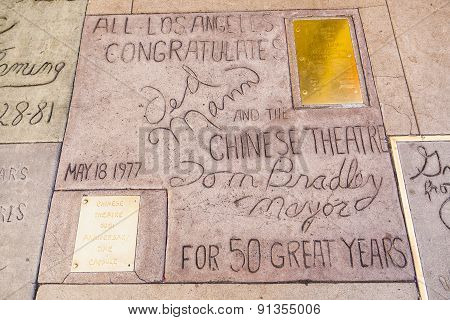 Handprints Ted Mann, Tom Bradley In Hollywood Boulevard In The Concrete Of Chinese Theatre's Forecou