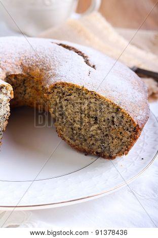 Poppy Seed And Raisin Ring Cake