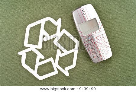 Recycling Your Old Mobile Phone