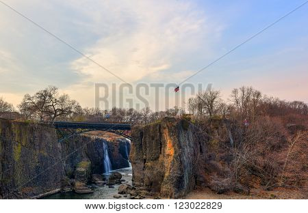 Paterson Great Falls on a sunny evening (3)